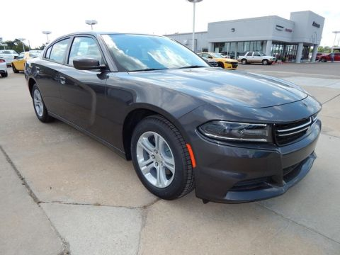 New 2017 Dodge Charger SE RWD 4D Sedan