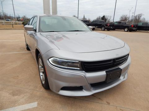 Pre-Owned 2016 Dodge Charger SXT RWD 4D Sedan