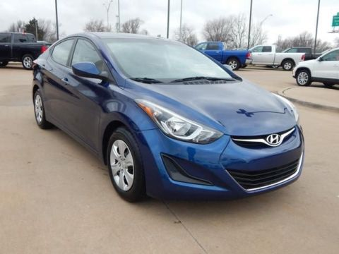 Certified Pre-Owned 2016 Hyundai Elantra SE FWD 4D Sedan