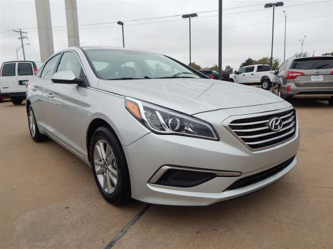 Certified Pre-Owned 2017 Hyundai Sonata SE FWD 4D Sedan