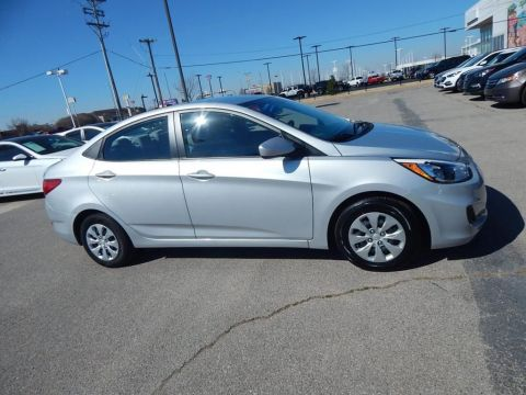 Certified Pre-Owned 2017 Hyundai Accent SE FWD 4D Sedan
