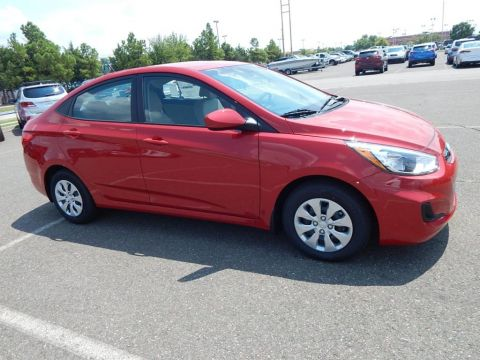 New 2017 Hyundai Accent SE FWD 4D Sedan
