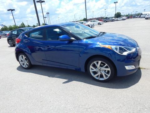 New 2017 Hyundai Veloster Base FWD 3D Hatchback