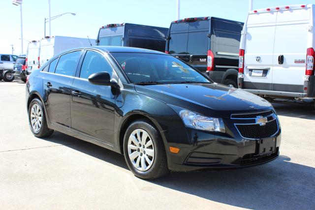 Used Chevrolet Cruze 4dr Sdn LS