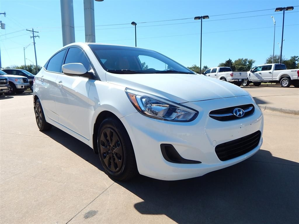 Pre-Owned 2015 Hyundai Accent GLS