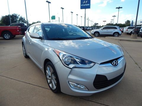 Certified Pre-Owned 2017 Hyundai Veloster Base